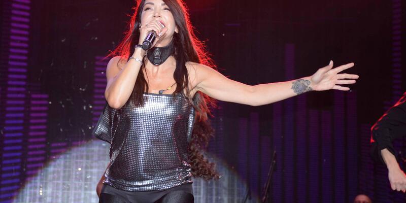 Torbalı'da kurtuluş etkinlikleri Hande Yener konseri ve Bamya Festivali ile son buldu