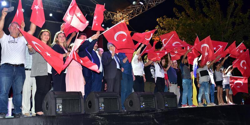 Kınık Hasat Festivali'nde Fırat Tanır konseri