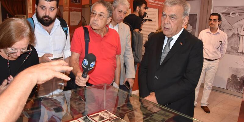 Tarihe ışık tutan sergi İzmir'de açıldı