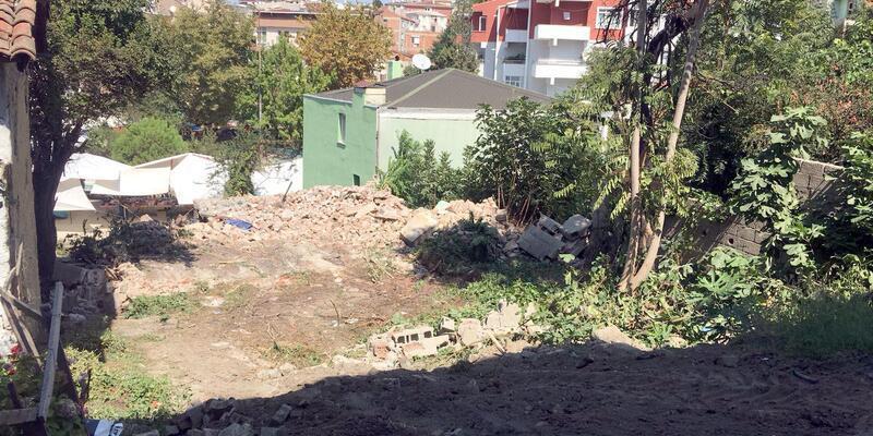 Tekirdağ'da metruk binalar yıkılıyor