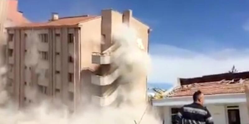 Eski devlet hastanesi, kirişleri yıpratılarak yıkıldı