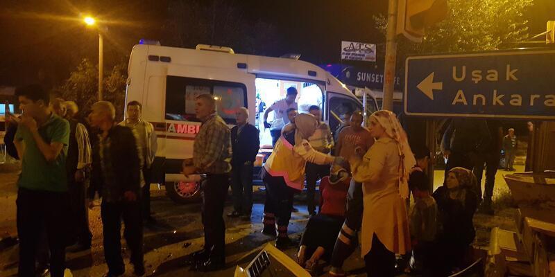 Kula'da zincirleme kaza: 8 kişi yaralı