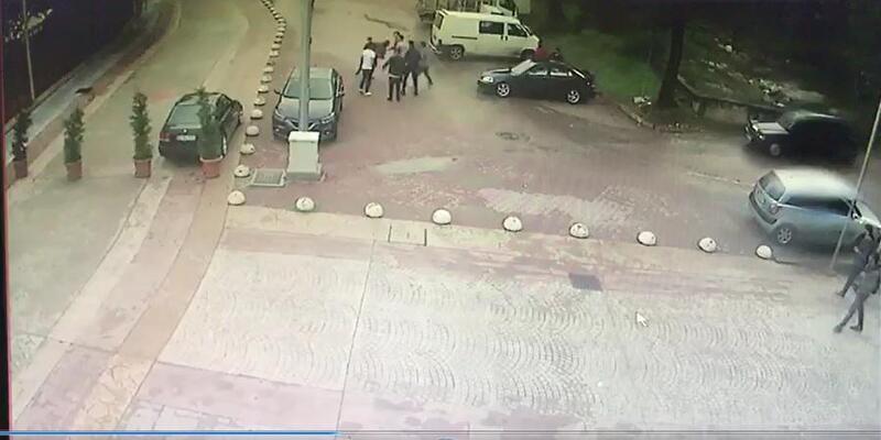 Düğün salonu önünde silahlı kavga: 2 yaralı