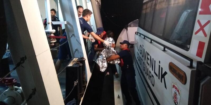Bodrum açıklarında 16 göçmen kurtarıldı, 2 kadın öldü, 1 kadın kayıp