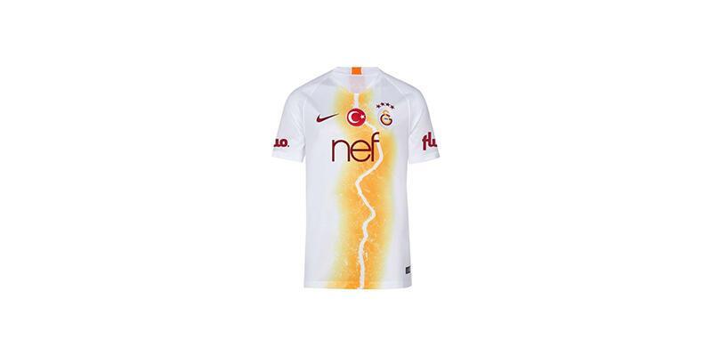 Galatasaray'ın yeni formasında İstanbul izleri