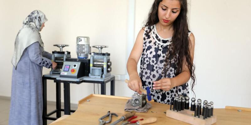 Van'da kadınlara savat işlemeciliği eğitimi