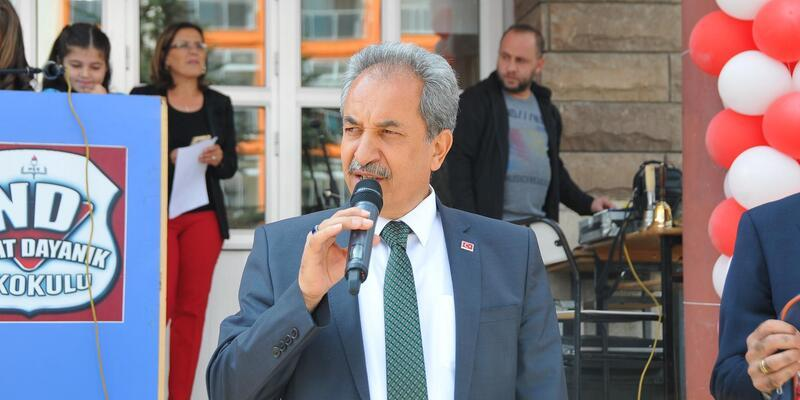 Akşehir Belediyesinden 2500 öğrenciye kırtasiye yardımı