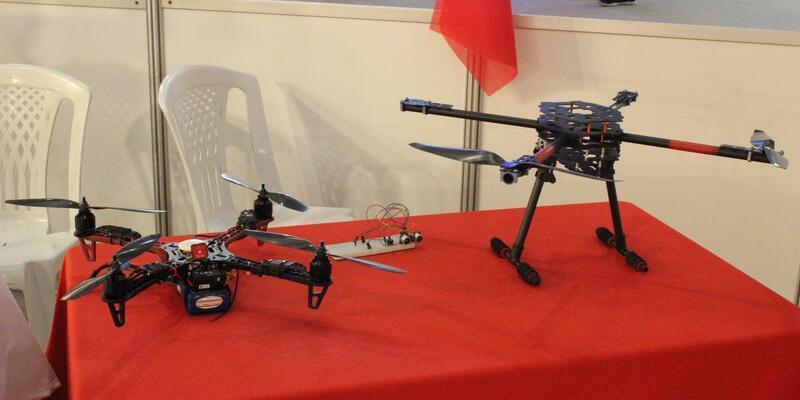 Liseli gençlerin yaptığı drone'ler İzmir Fuarı'nda sergilendi