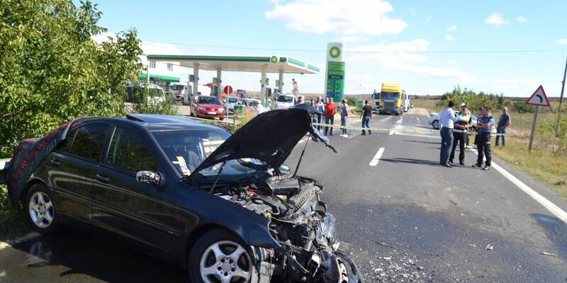 Tekirdağ'da iki otomobil çarpıştı: 1 ölü, 1 yaralı