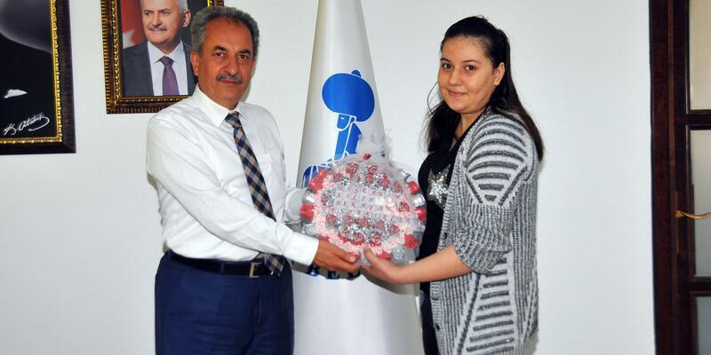 Hastalığının tedavisinde yardımcı olan belediye başkanına teşekkür etti