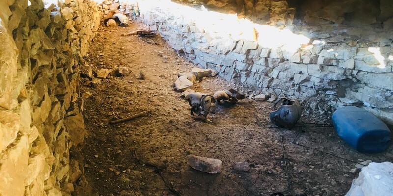Herokol Dağı'nda teröristlere ait 2 mağara bulundu