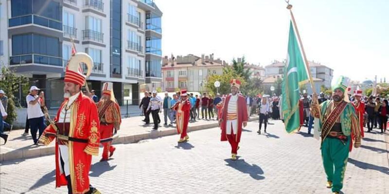 II. Kılıçarslan temalı festivalde, kortej yürüyüşü