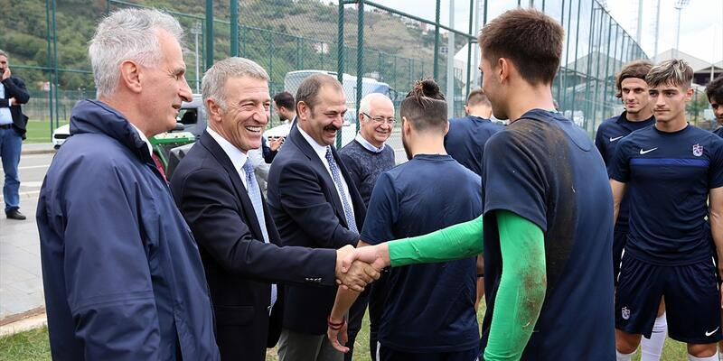 Ahmet Ağaoğlu'ndan genç futbolculara nasihat