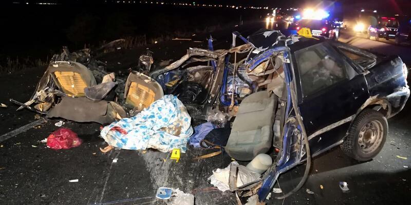 Aksaray'da TIR ile otomobil çarpıştı: 2 ölü