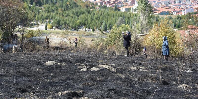 Kütahya'daki arazi yangınını polisler TOMA ile söndürdü