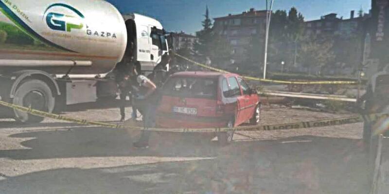 Aracının arka koltuğunda ölü bulundu