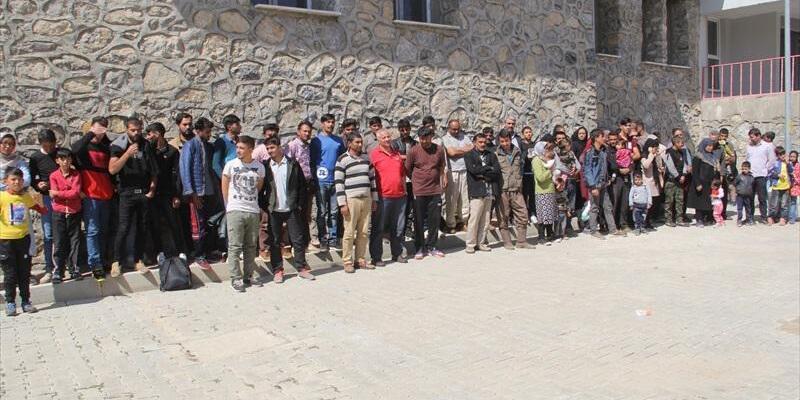 Başkale'de 98 kaçak yakalandı
