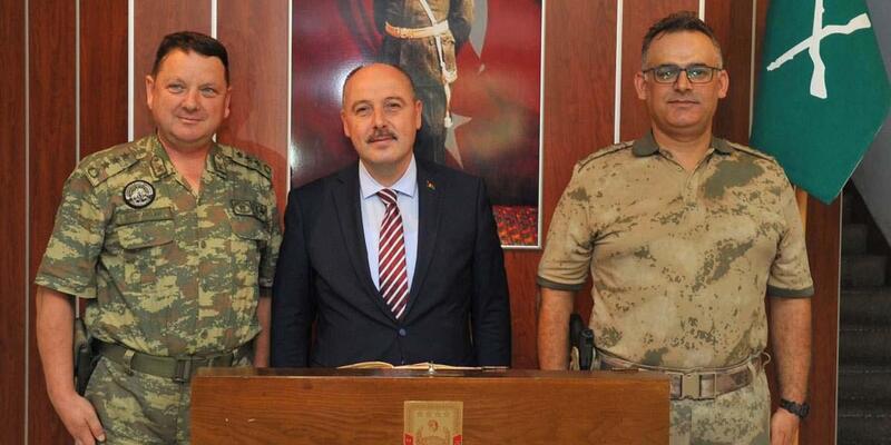 Vali Coşkun'dan Garnizon Komutanı Sancaktar'a ziyaret