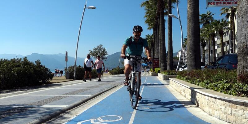 Adana'dan geldiler Marmaris'in bisiklet yollarına hayran kaldılar