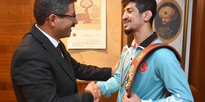 Başkan Çelik, Dünya Şampiyonu Kerem'i ağırladı