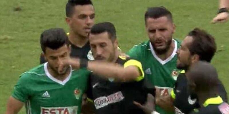 Konyaspor yönetiminden kırmızı kart gören Jahovic'e tepki