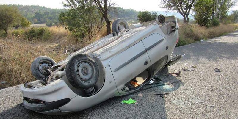Cip ile otomobil çarpıştı: 3 yaralı