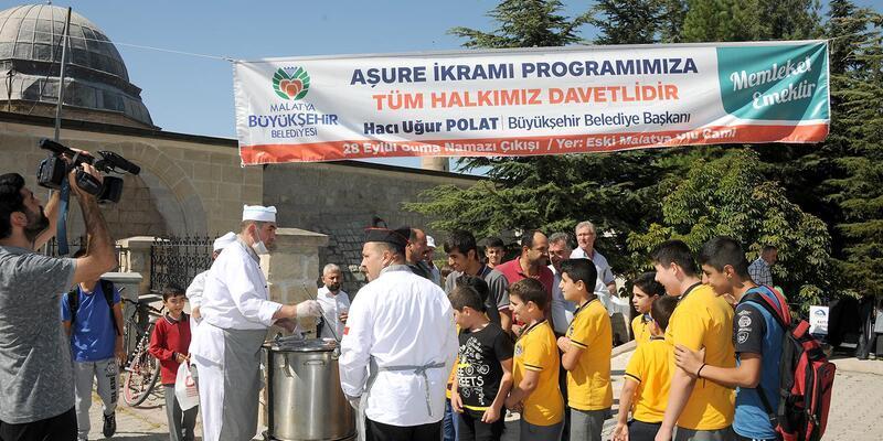 Malatya'da 10 bin kişiye aşure ikramı