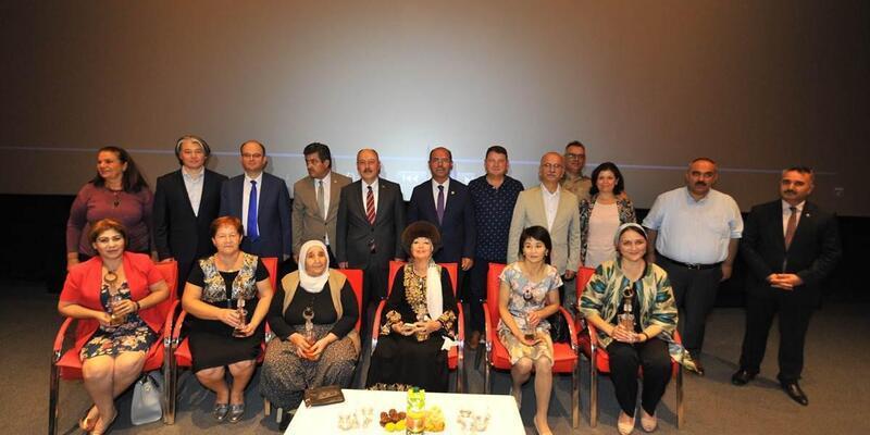 8 Ülke 8 Ana, Türk Ana belgesel filminin galası Osmaniye'de yapıldı