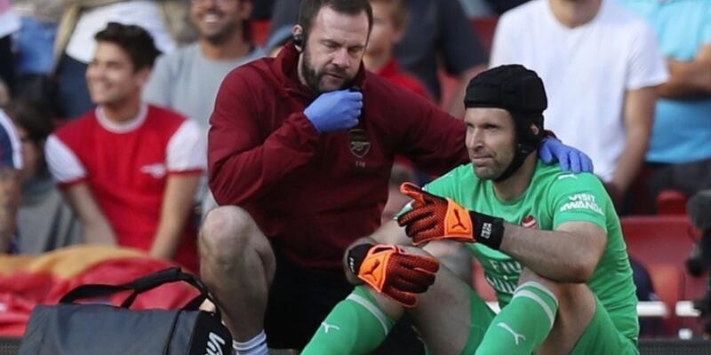 Petr Cech 1 ay yok