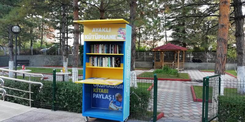 Bayat ilçesinde, ayaklı kütüphane dönemi