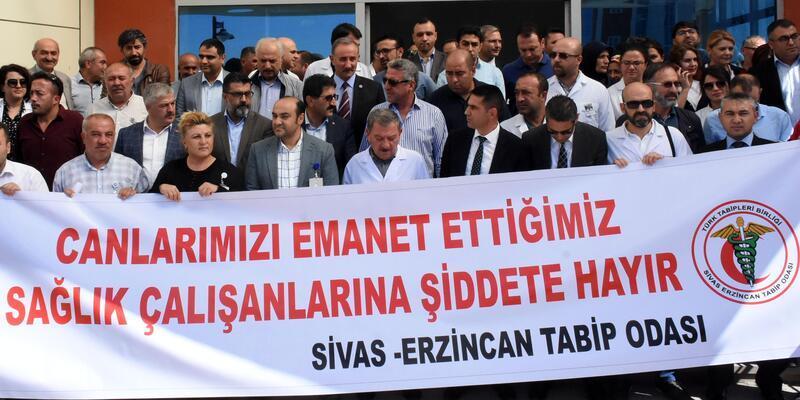 Doktora silahlı saldırıya, Sivas'ta meslektaşlarından tepki