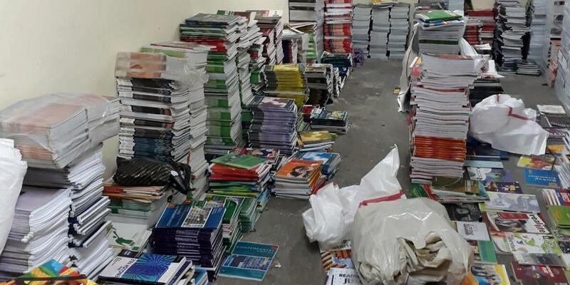 İzmir'de korsan kitap operasyonu