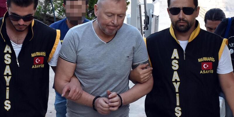 Çaldığı pırlantayı yutan İrlandalı turist tutuklandı
