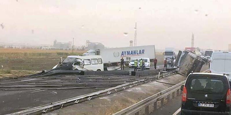İpek Yolu'ndaki kazada devrilen TIR'ın şoförü öldü