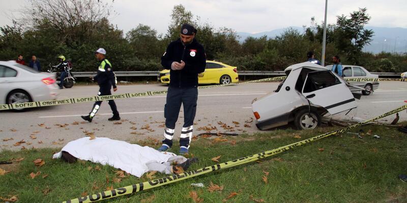 Ortadan ikiye bölünen otomobilin sürücüsü öldü