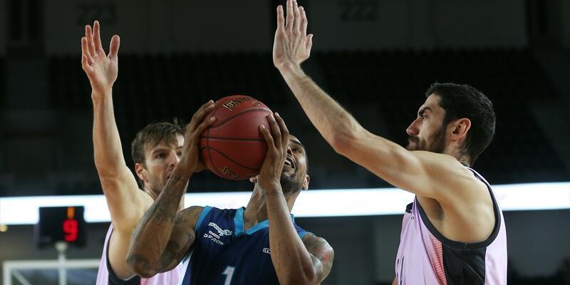 Türk Telekom - Valencia Basket: 67 - 72