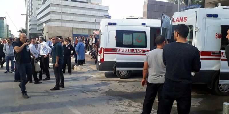 İzmir Adliyesi'de gaz kaçağı; zehirlenenler var (1)