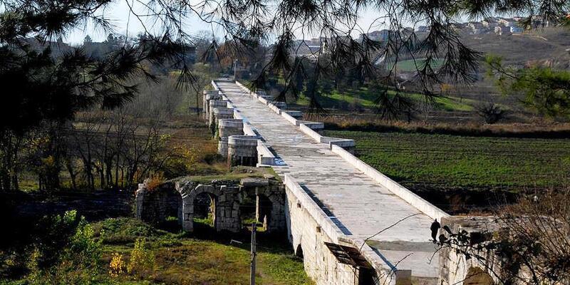 Justinianus Köprüsü'nde restorasyon başladı; haç işaretli sütun başlığı bulundu