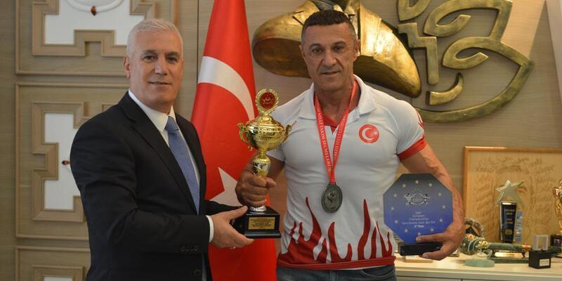Mustafa Bozbey'den dünya şampiyonası öncesi destek