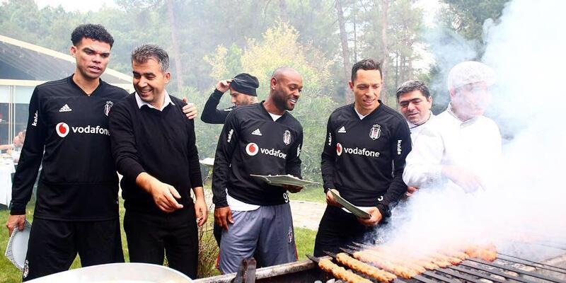 Beşiktaş'ta idman sonrası barbekü partisi