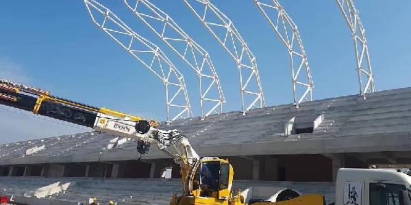 Alsancak Stadı'nın çatı montajı başladı