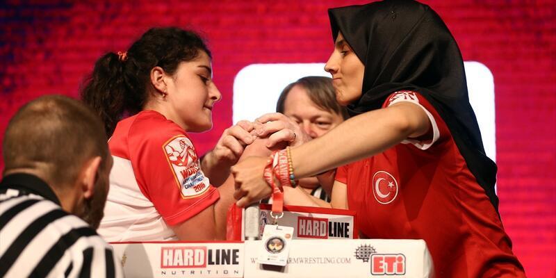 Türkiye kadınlarda bilek güreşinde dünya üçüncüsü