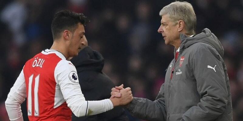 Arsene Wenger'den Mesut Özil'e çağrı