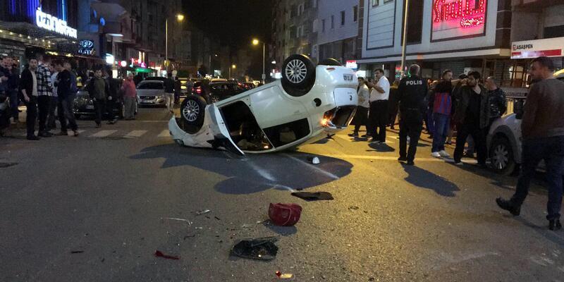 Ehliyetsiz ve alkollü sürücü, park halindeki araçlara çarpıp takla attı