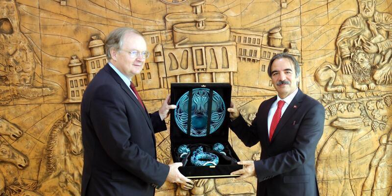AB Türkiye Delegasyonu BaşkanıBerger'den, NEVÜ Rektörü Bağlı'ya ziyaret