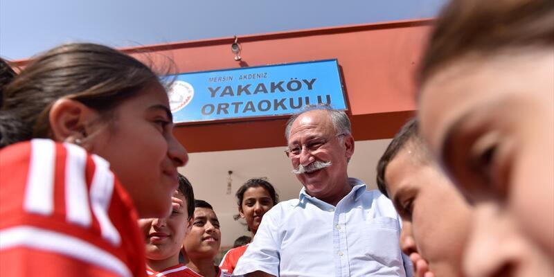 Beşiktaş taraftarından köy okuluna ziyaret