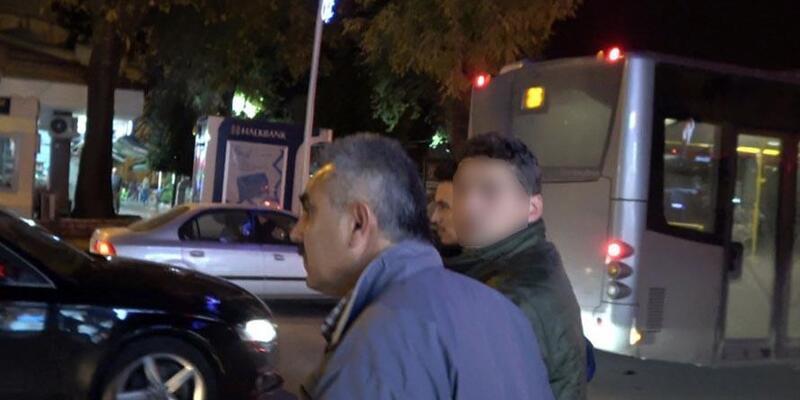 Dolandırıcı, 102 bin lirayı çekmeye geldiği bankada yakalandı