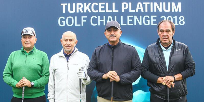 Dışişleri Bakanı Çavuşoğlu ile TFF Başkanı Demirören golf oynadı