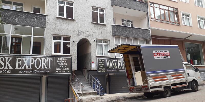 Güngören'de yıkım kararı verilen bina boşaltıldı