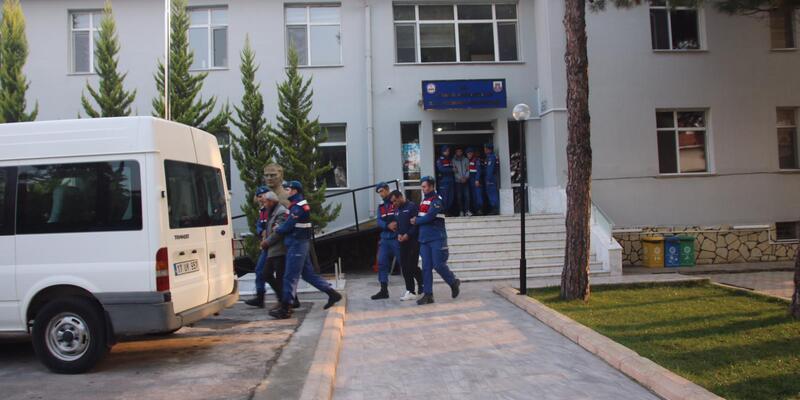 Jandarma, göçmen kaçakçılığı suç örgütünü çökertti